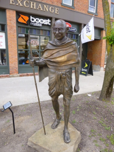 Gandhi with the Wind:Close up